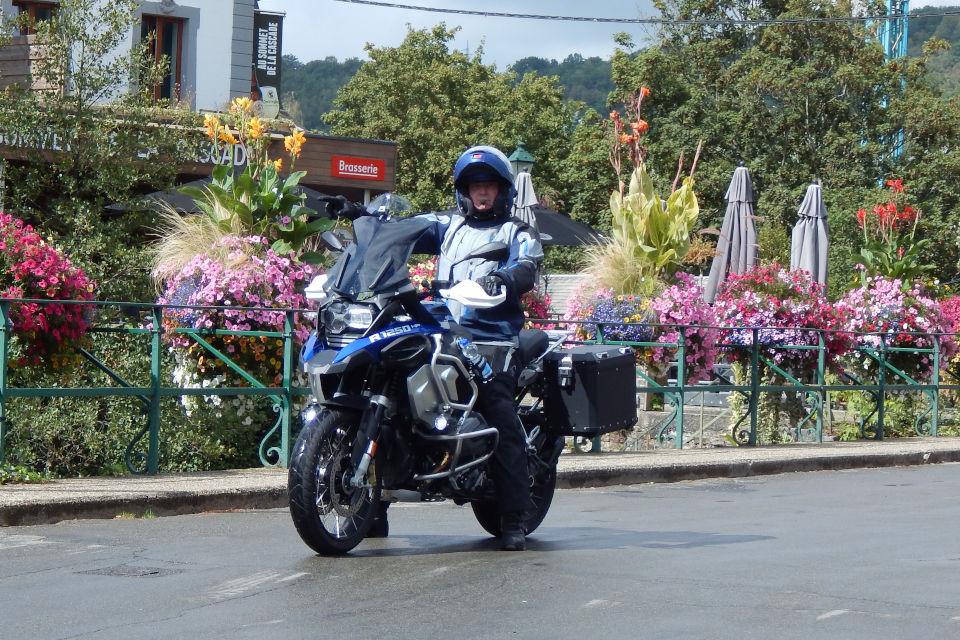 Motorrijbewijspoint Arnhem examengarantie AVB en AVD